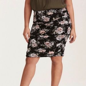 Torrid Floral knee length pencil skirt